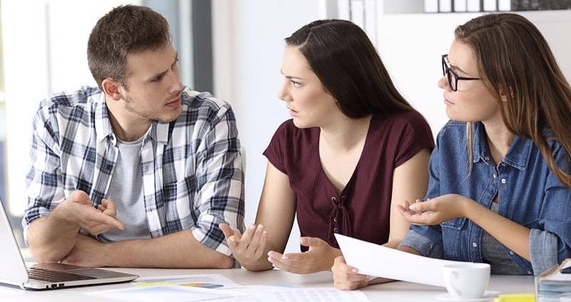 Huit types de feedback cruciaux des collaborateurs que vous devez régulièrement collecter et évaluer